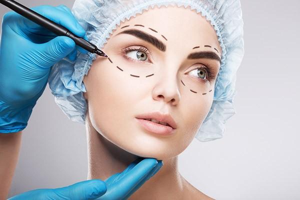 Ameliyatlı Estetik Uygulamaları Nelerdir?